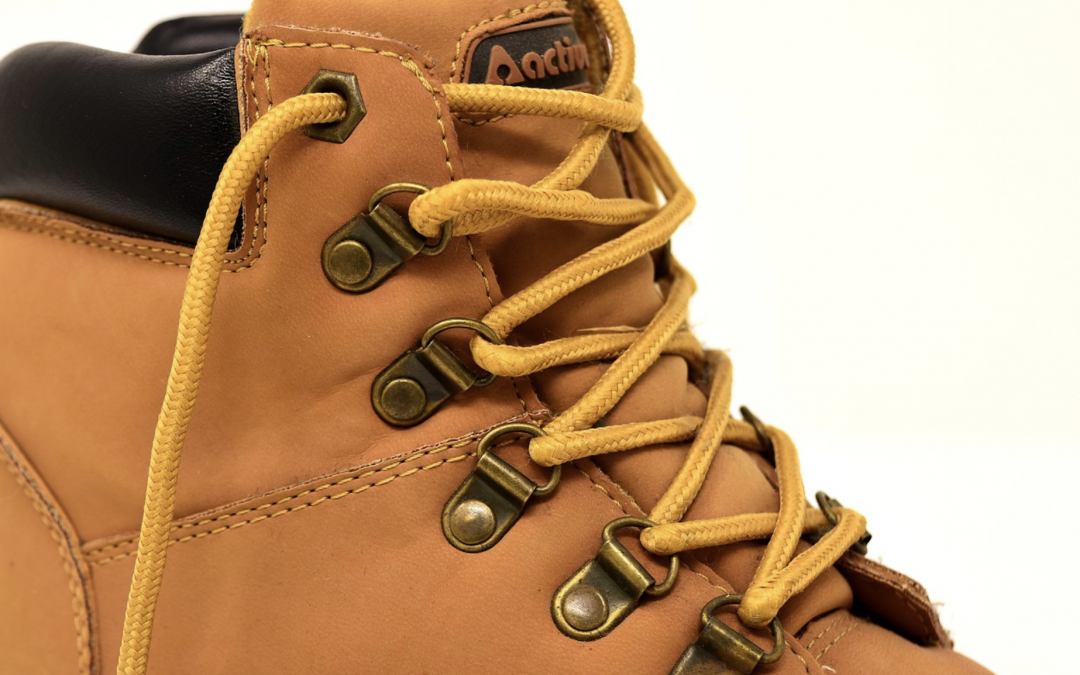 The Best Welding Boots to Wear While Working on a Tough Day